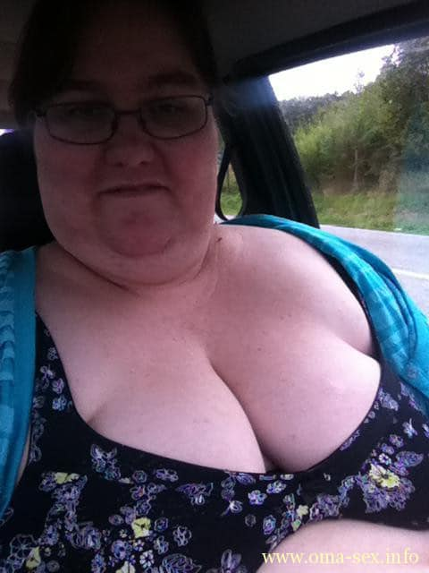 dickbusige MILF sucht Sextreffen