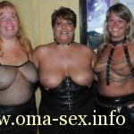 Reife Dominas suchen devote Männer für Sexpiele