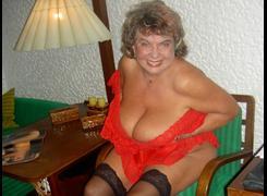 gele omas heiße junge frauen nackt