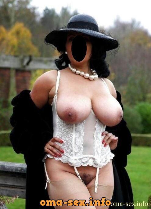 Reiche Frau nackt