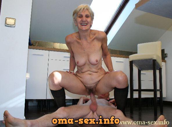 Hot moms nude